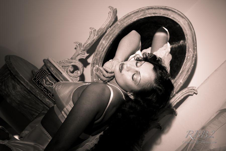 Aria_Giovanni_Vanity_Mirror_Gallery