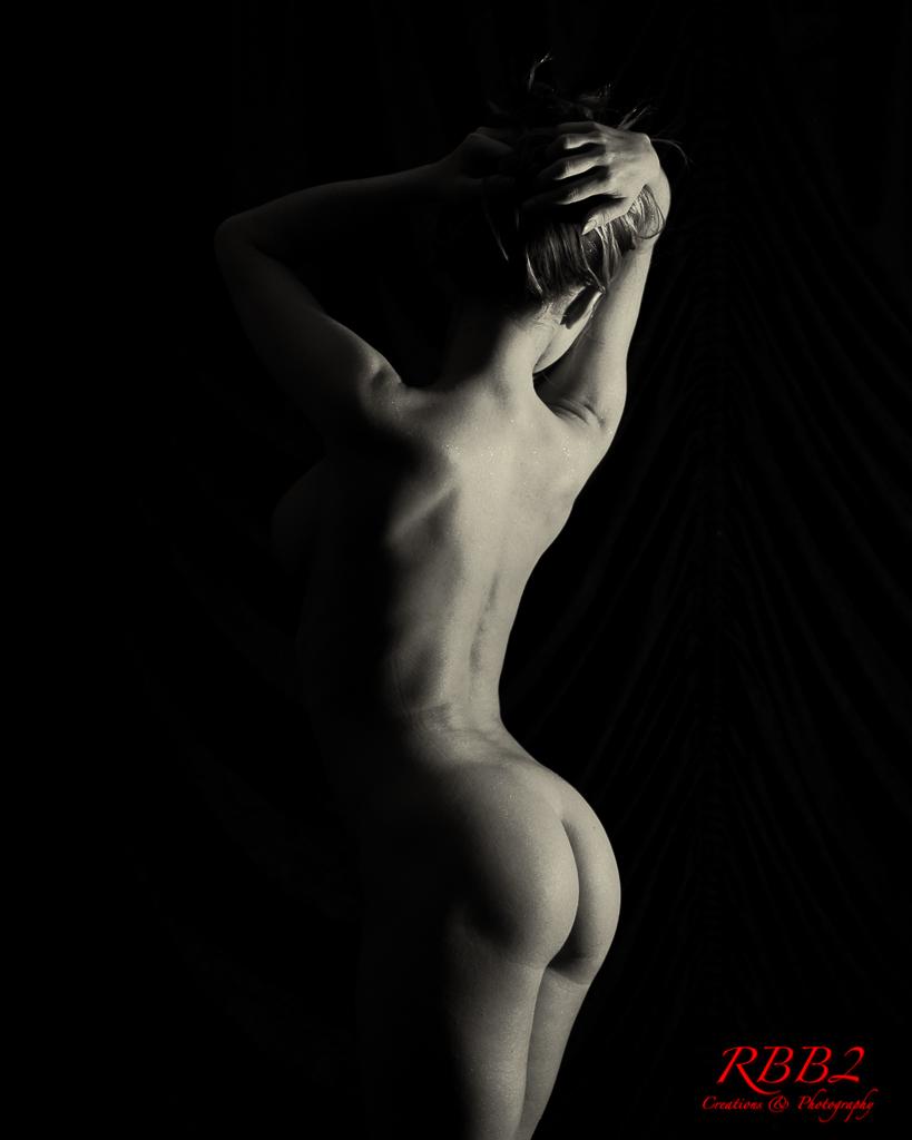 Atistique_Nude_Low_Key_01