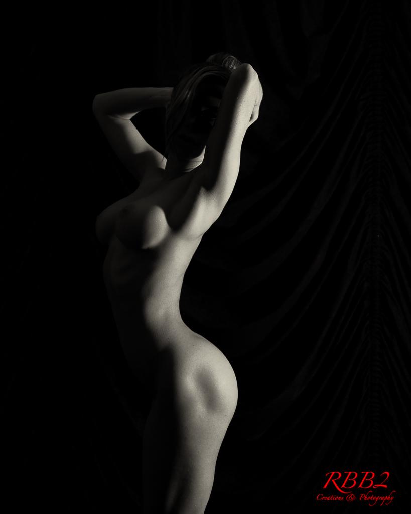 Atistique_Nude_Low_Key_02