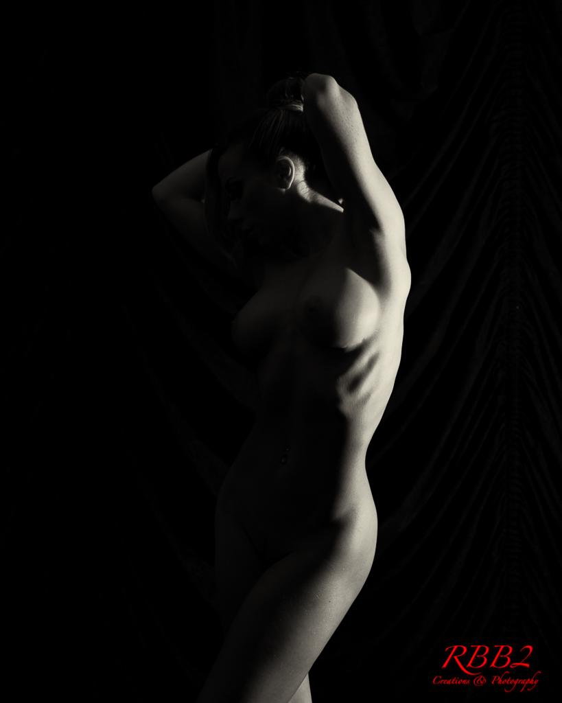 Atistique_Nude_Low_Key_03