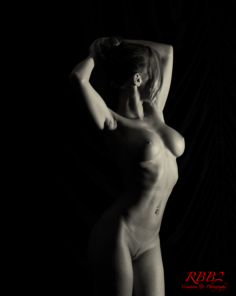 Atistique_Nude_Low_Key_04