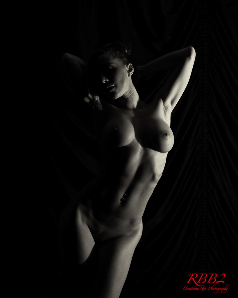 Atistique_Nude_Low_Key_05
