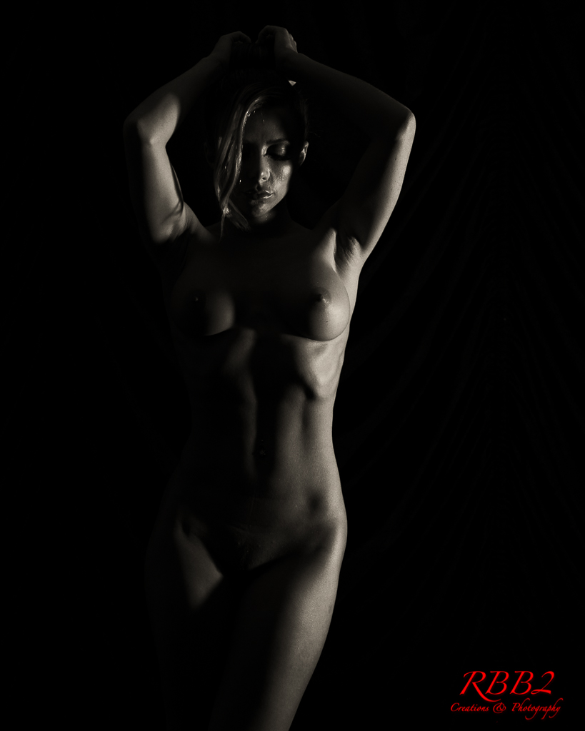 Atistique_Nude_Low_Key_06