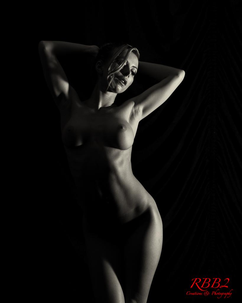 Atistique_Nude_Low_Key_07
