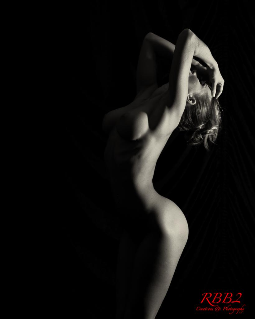Atistique_Nude_Low_Key_08