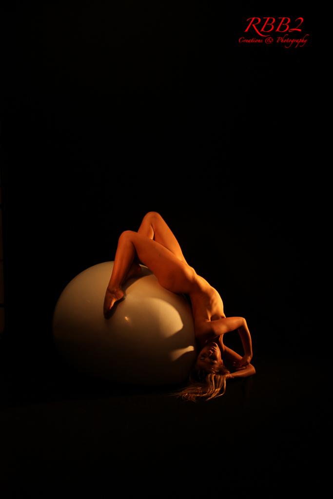 Atistique_Nude_Oeuf_08